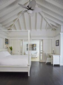 superior-luxury-villa-bedroom-2