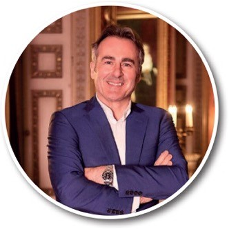 FLOG IT's PRESENTER HOPES TO GRAB A BARGAIN AT BELFAST's HOLIDAYWORLD SHOW